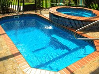 traditional-shaped-fiberglass-swimming-pools